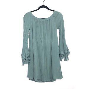 Romeo & Juliet Couture Medium Lace Trim Dress